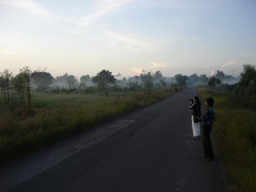 http://album.slesta.com/2007/lombok/images/DSC01937.jpg
